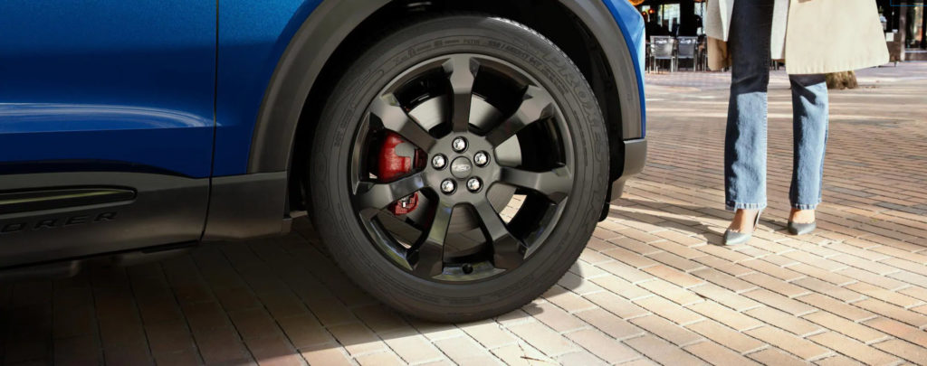 21-inch high gloss wheels