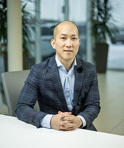 Son Ta - Sales Executive