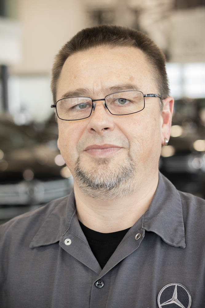 Holger Schmidt - Shop Foreman - German Master Technician - MB Certified Diagnostic Technician - Status obtained in Germany and maintained in Canada