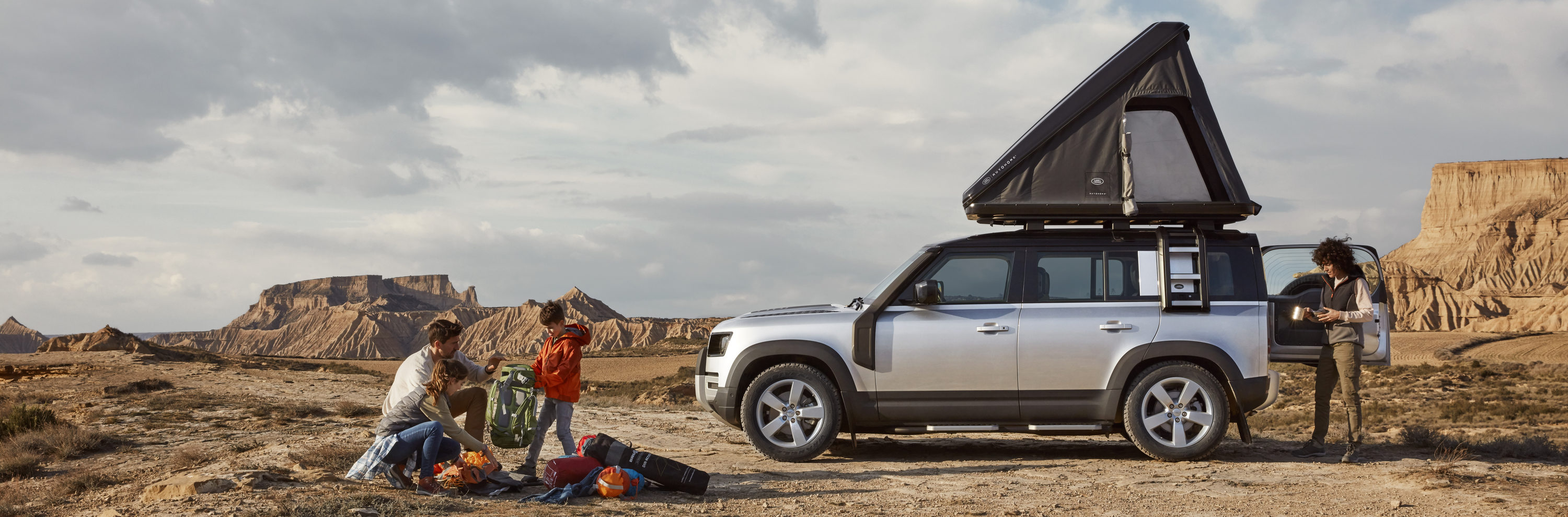Land Rover And Autohome Create Rugged Roof Tent For New ...