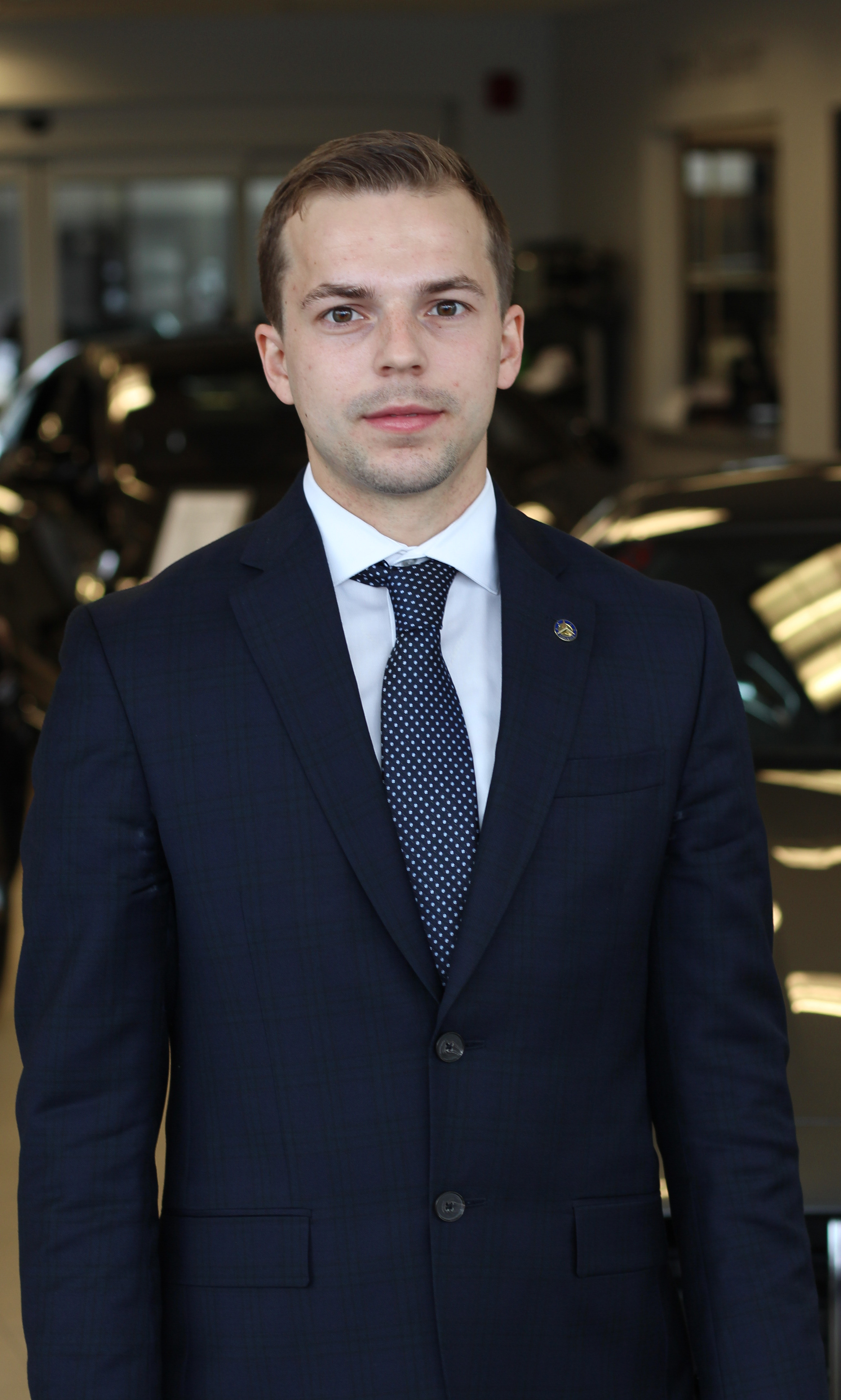 Michal Grzesniak - Sales & Leasing Consultant