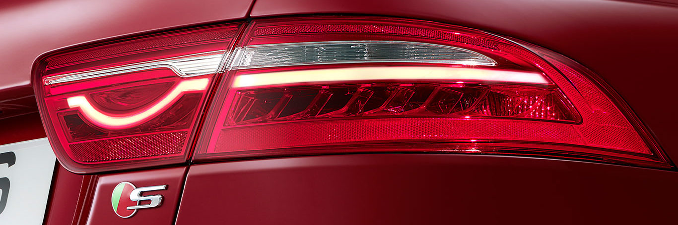 Tailight shot of red jaguar XE S