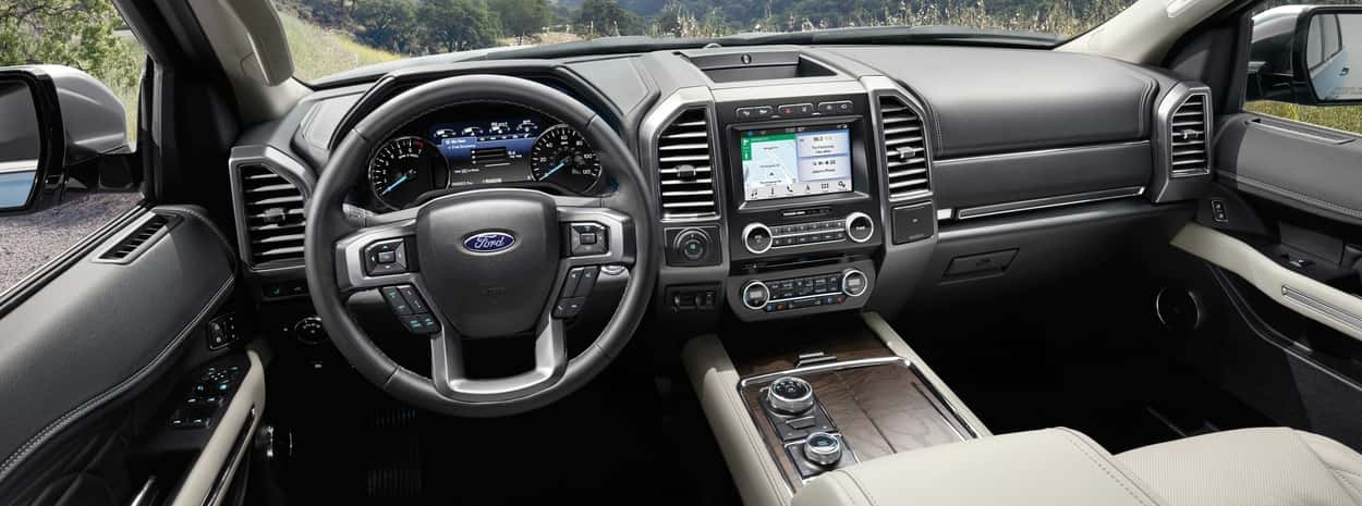 Interior of the Ford Expedition with a sunny background and the SYNC 3 console in the centre