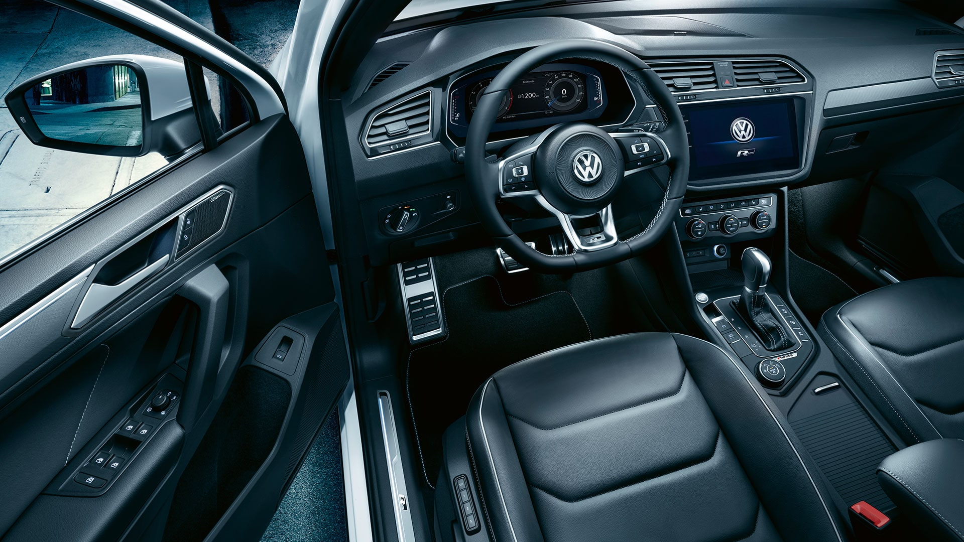 Tiguan interior dash