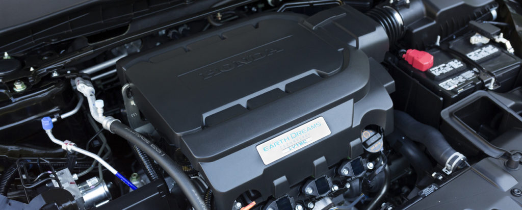 photo of a 2013 Honda Accord V6 engine, the new Honda Accord engine is equipped with Earth Dreams technology