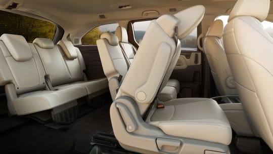 2020 Honda Odyssey interior folding seats