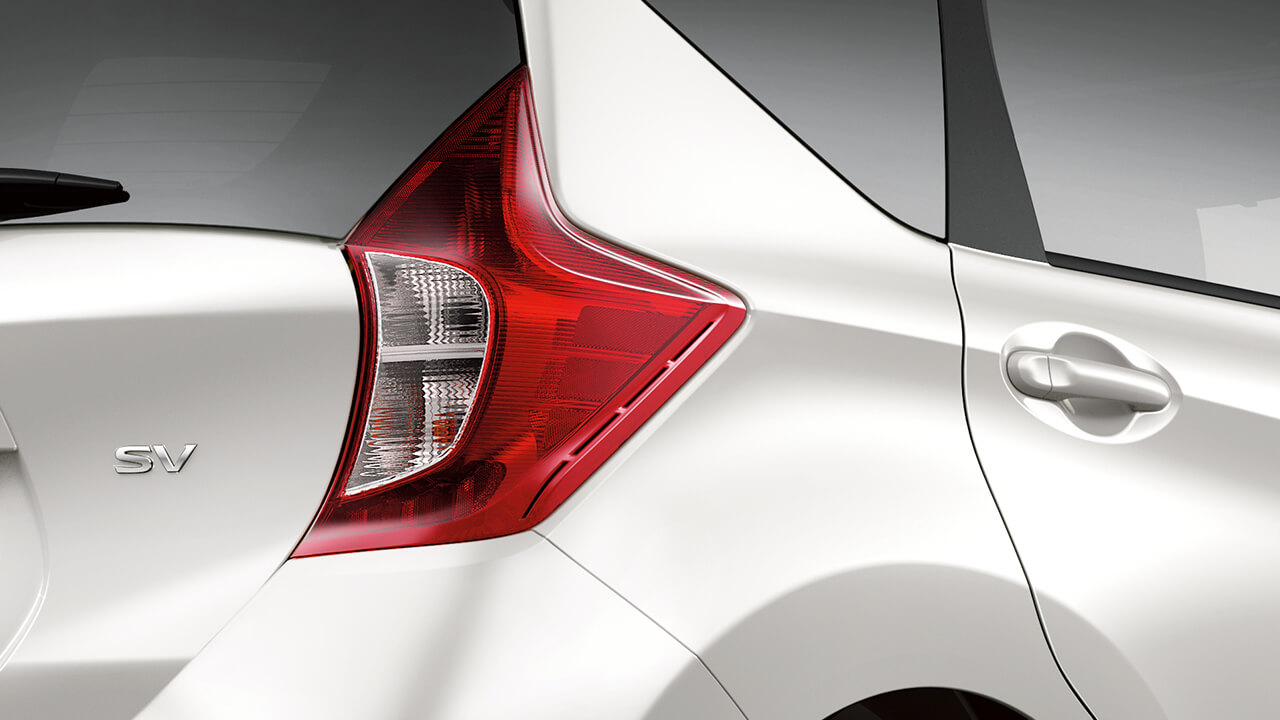 2019 nissan versa note tail lamp