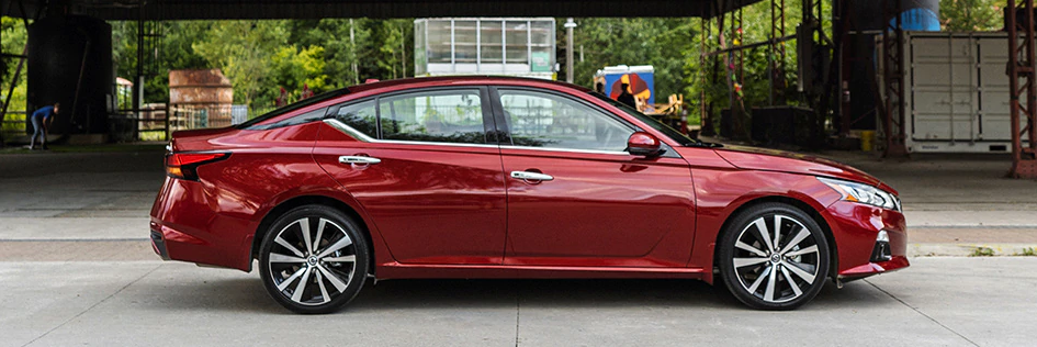 Side profile of the 2020 Nissan Altima