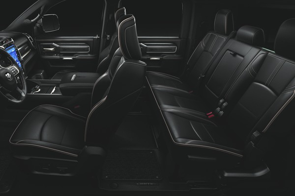 2020 Ram 3500 keeps your ride comfortable with technology and features
