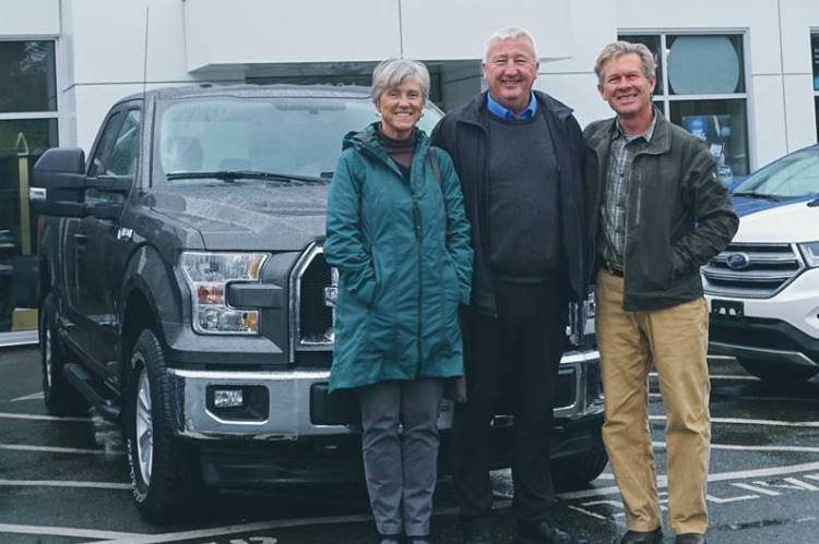 Al delivers 2018Ford F150 XLT