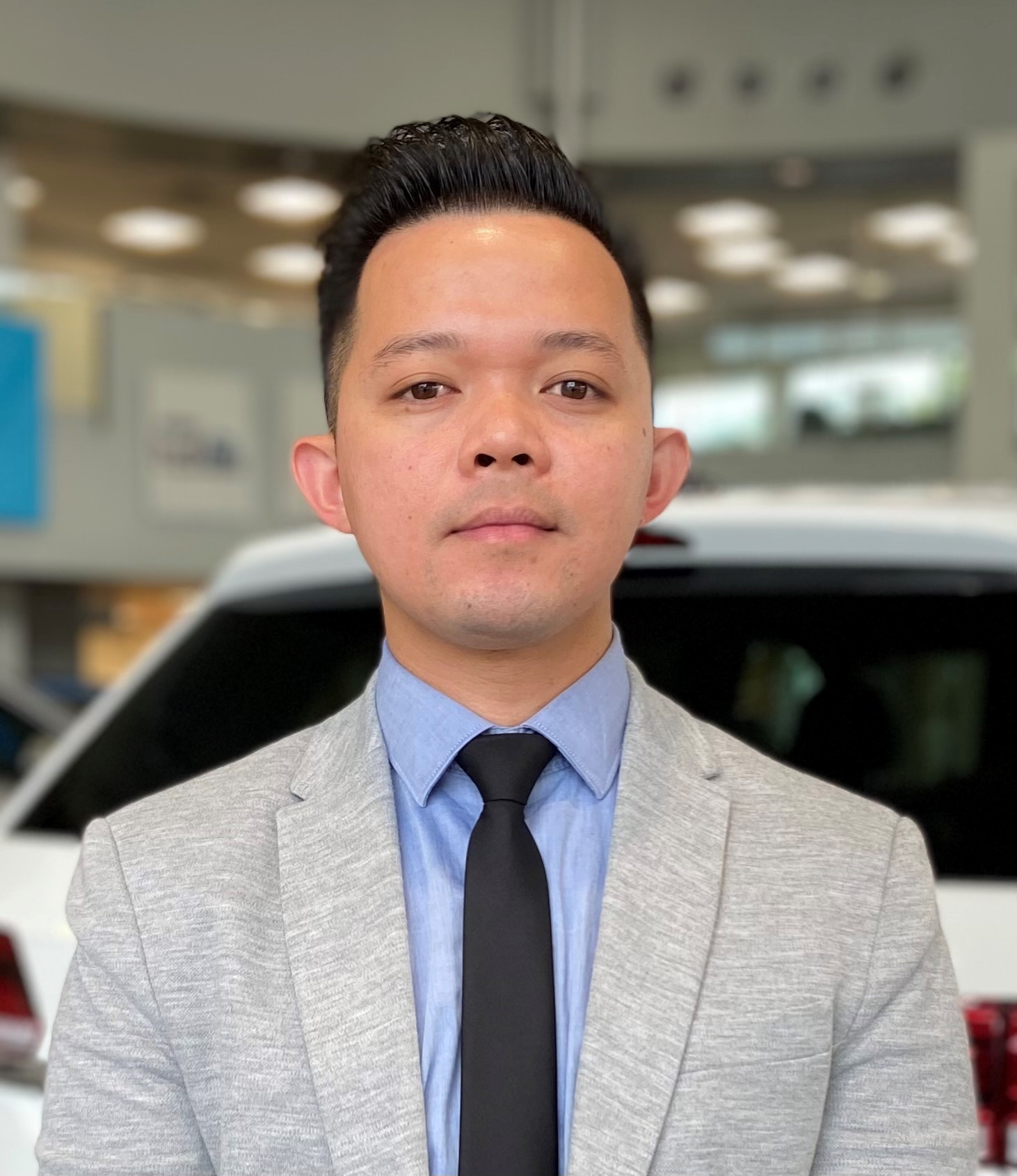 Alvin Albay - Sales and Leasing Consultant
